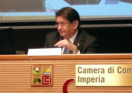 imperia-hosts-mediterranean-diet-forum-olioliva-festival-enrico-lupi--officiator-at-the-mediterranean-diet-forum-president-of-citta-dellolio-and-vice-president-of-imperias-chamber-of-commerce