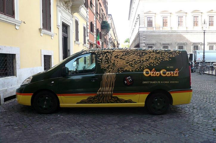 imperia-hosts-mediterranean-diet-forum-olioliva-festival-olio-carli--van-used-for-home-delivery-of-olive-oil--piazza-farnese-rome