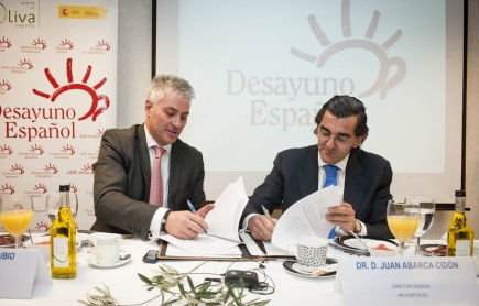 hospitals-in-madrid-will-start-the-day-with-a-spanish-breakfast-pedro-rubio-aragones-vice-president-of-the-spanish-olive-oil-interprofessional-organization-and-dr-juan-abarca-cidon-managing-director-of-hm-hospitals
