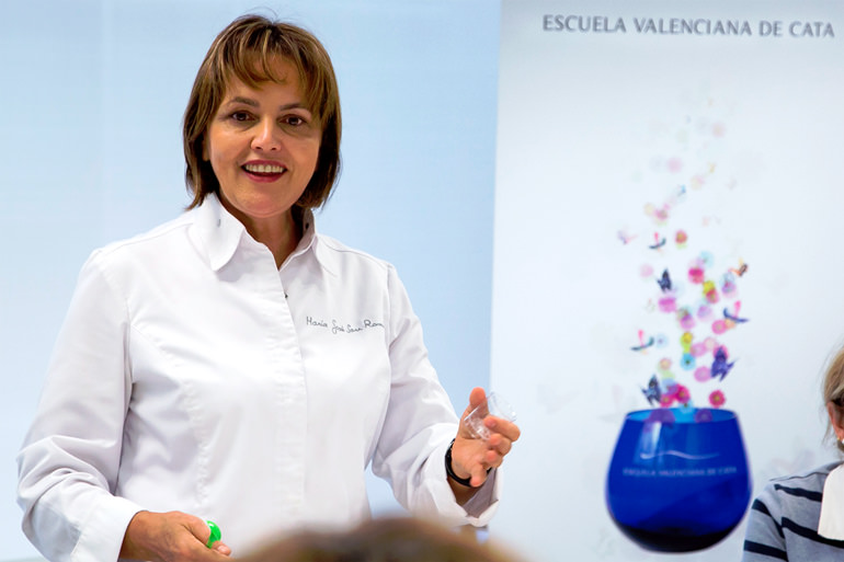 tasting-school-of-valencia-promotes-olive-oil-excellence