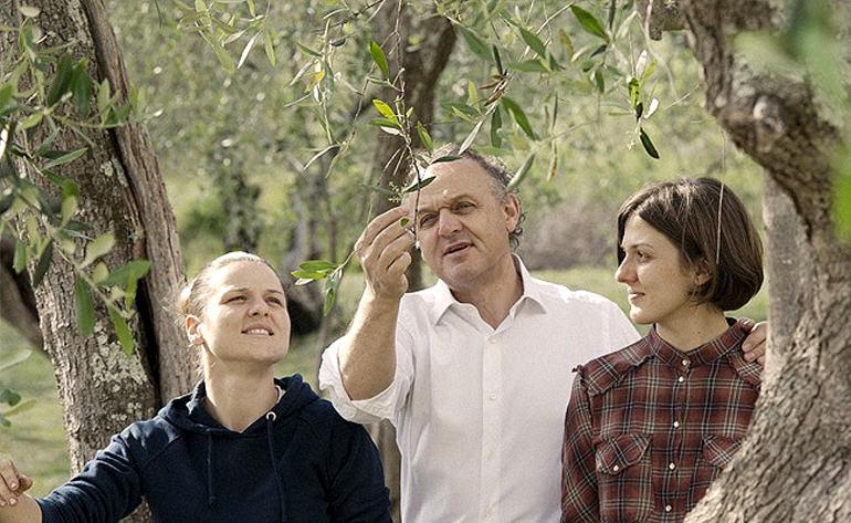 farmers-in-italy-optimistic-as-harvest-season-nears