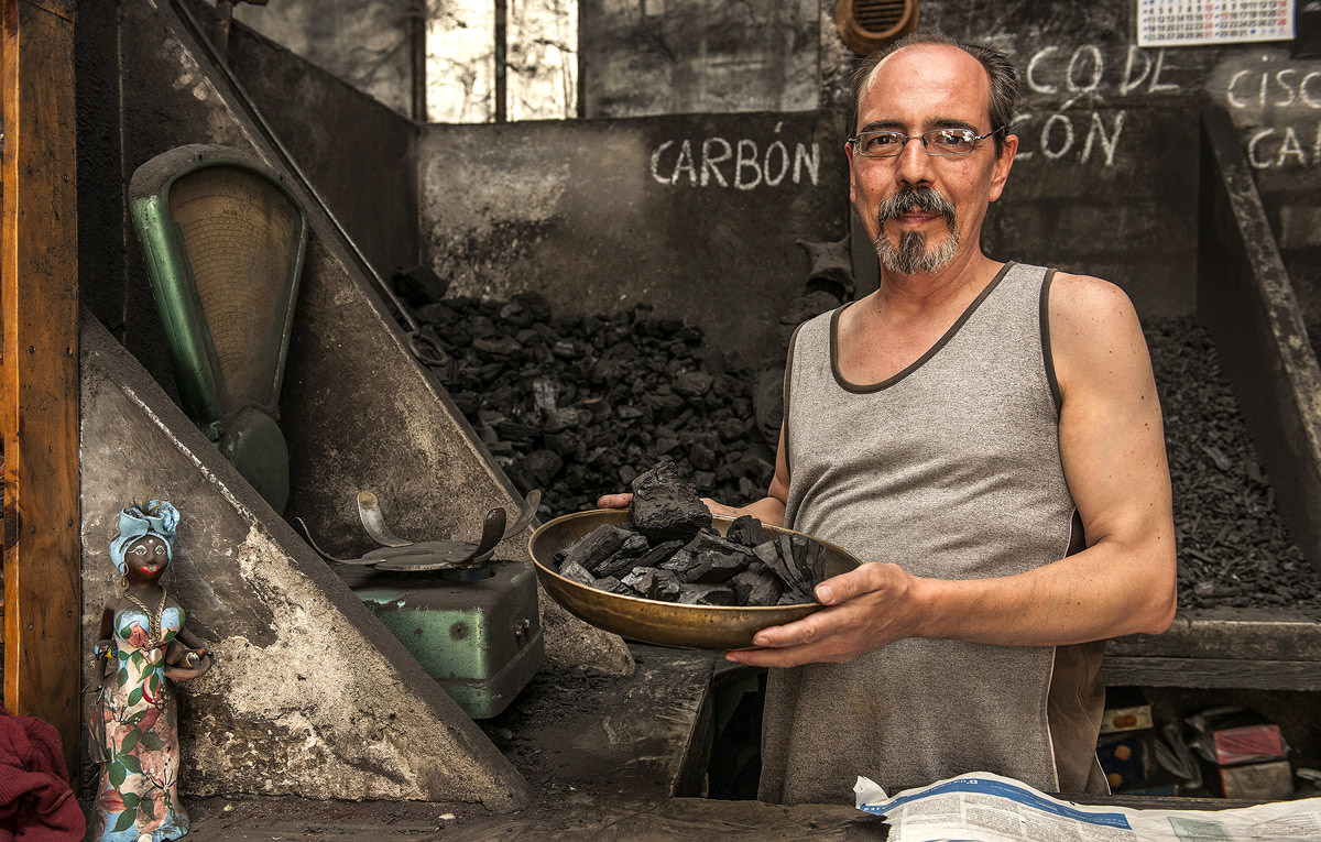 the-last-charcoal-man-of-seville